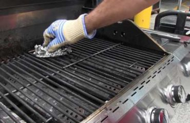 Maintenance of gas barbecue