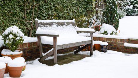 3 راه برای محافظت از مبلمان پاسیو در زمستان