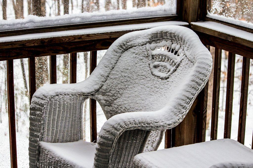 3 راه برای محافظت از مبلمان فضای باز در زمستان